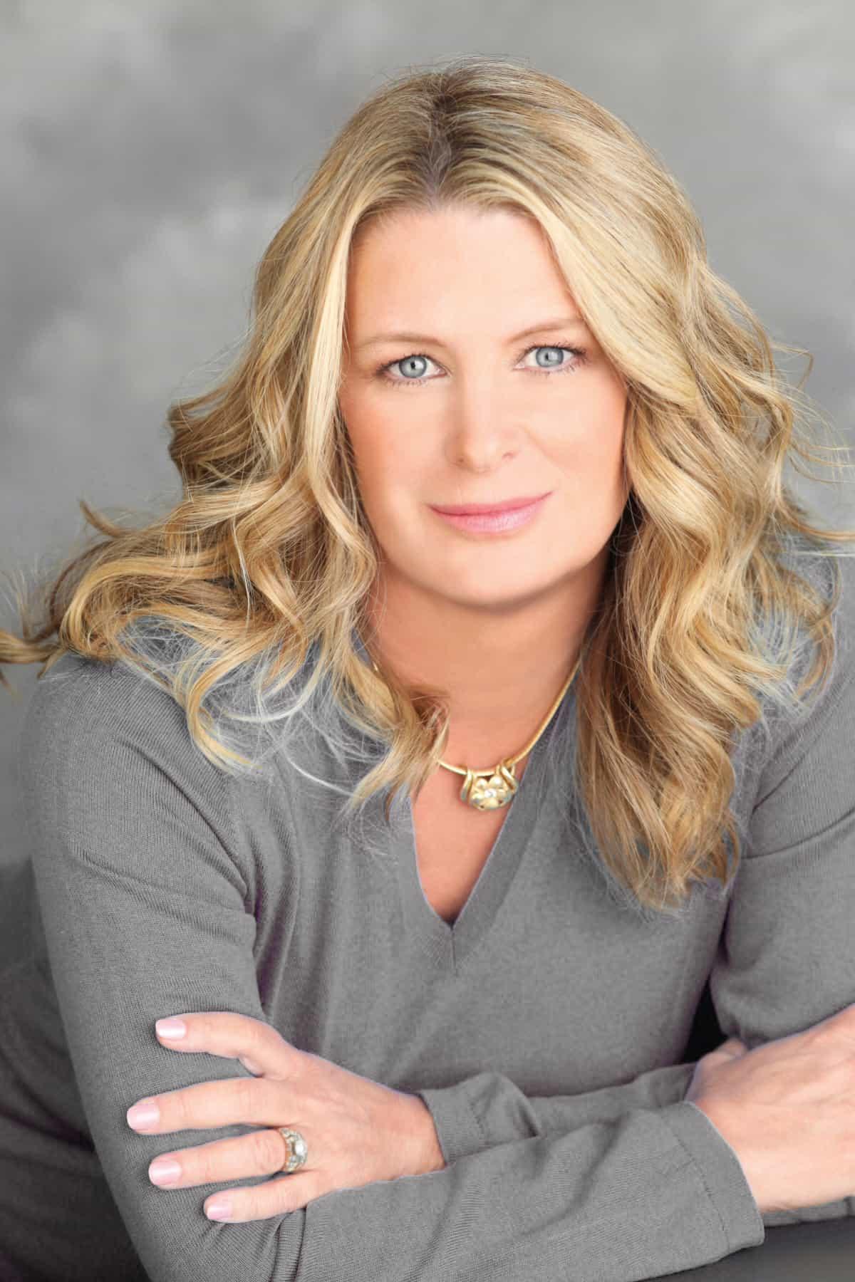 About Kristin Bio Kristin Hannah